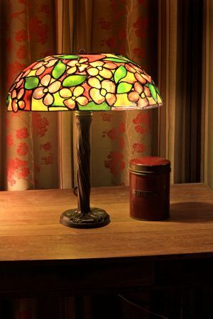 Lampes style art deco ou art nouveau for Art deco lampe